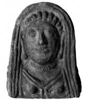 ANT-4019 - Antefix : female bust&#013 *  Antefix shaped veiled female bust , the visible part of the hair between the forehead and the veil shows a series of hills , sometimes necklace , bust stops at the chest.