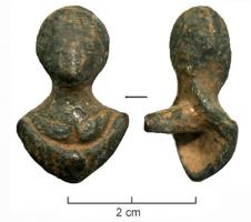 APM-4018 -  *  Si applica : busto femminile&#013&#013 *  Applies Furniture bronze fitted on the back of a square bar , casting with the object : it is a female bust , draped, no special attributes ( unless you consider the bale bust as a crescent , which  would make a bust of Luna ) .