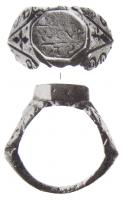 BAG-4068 -  *  Intaglio ring with flanges&#013 *  Ring oval kitten reported with intaglio , from both sides , starting with the rush, broad shoulders accosted butts symmetrical.
