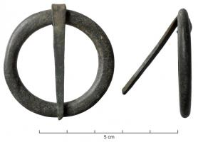 BCC-7002 -  *  Circular buckle&#013 *  Robust ring , often flattened section , which is based on a bronze pin .