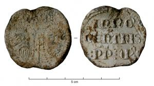 BUL-9080 - Bulla : papal, &#013&#013 *  Thick lead disc , perforated for the passage of ribbons, and struck in the name of Pope transmitter : on one side , heads schematically Peter and Paul , the reverse ( Innocent V , OP, Pope in 1276 ) .