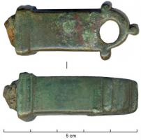 CLE-4022 -  *  Key translation&#013 *  Translation key to handle massive bronze quadrangular section and the moldings is low and the rounded tip, pierced right through and provided with appendages 3 .