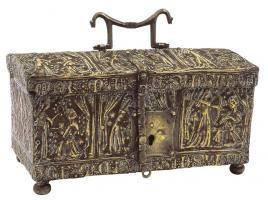 COF-7003 -  *  casket&#013&#013 *  Rectangular box to cover three sides, forming saddle , bronze decorated in repoussé , handle , lock and hasp wrought iron .