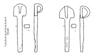 CVC-4002 - Linchpin&#013&#013Solid rod of thick rectangular cross-section, with a semicircular head ; the top is prolongated by a semi-circular ring, bent towards bottom, intended to ensure fixation of the pin : a link passing through the ring could be attached to the end of pin.