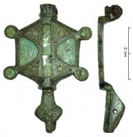 FIB-41379 - *  enamelled fibula&#013*  Fibula has hinges , hexagonal, with a head of turtle , another head was maybe be on the side of the hinge .  Enamelled boxes , blue sky ( leftover undercoat email , green sheen of water).  The gate pin is perforated with a circular hole , the pin is absent.