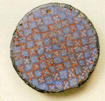 FIB-4276 -  *  Circular enamel brooch&#013 *  Fibula discoid whose disc with a small ledge receives decor millefiori .