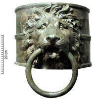 GGV-4001 -  *  Rudder trim&#013&#013 *  Tip rudder consists of a cylinder of thick plate (thickness > 10 mm) reinforced ribs at the ends and center , decoration apply lion head holding a large bronze ring in his mouth .